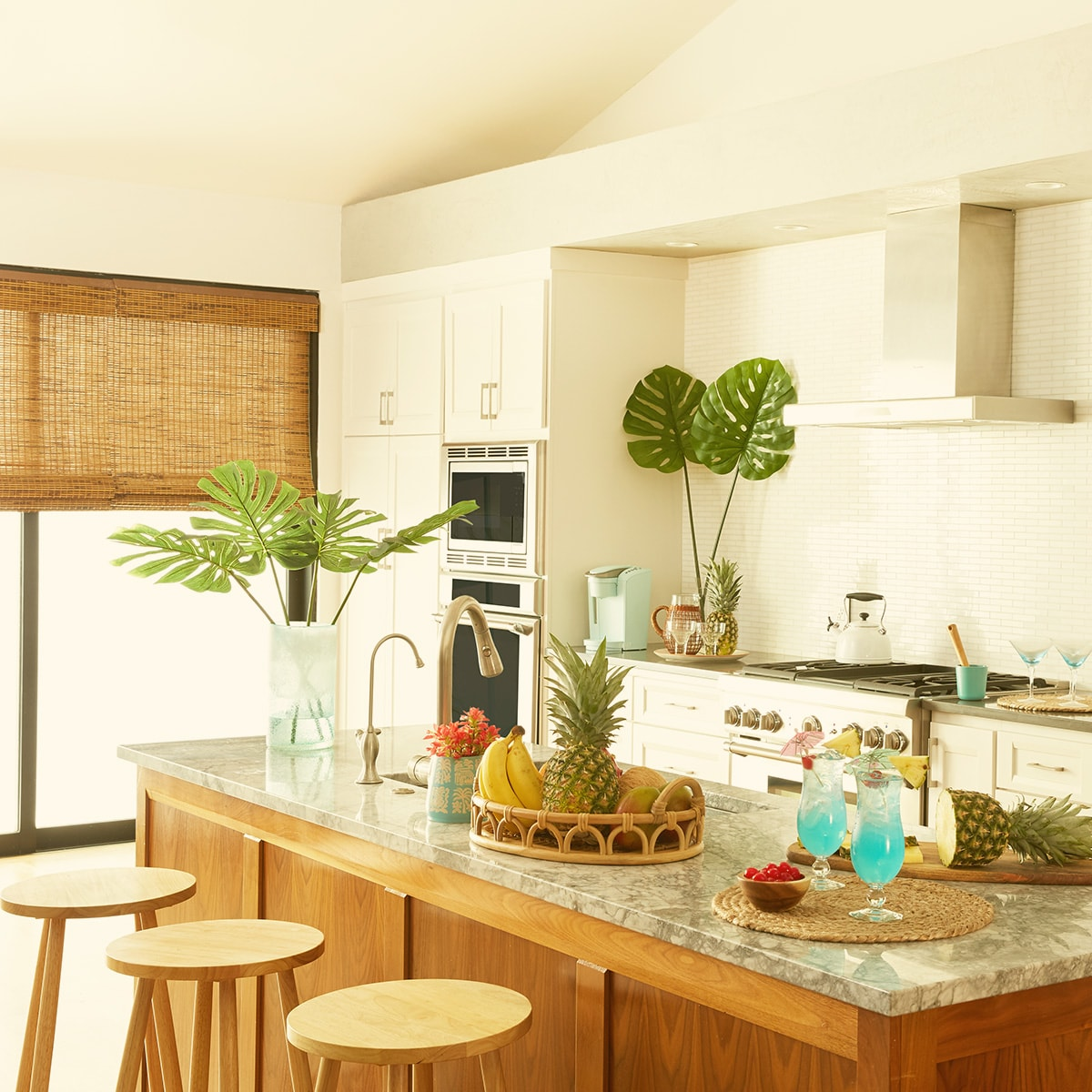 Tropical themed kitchen